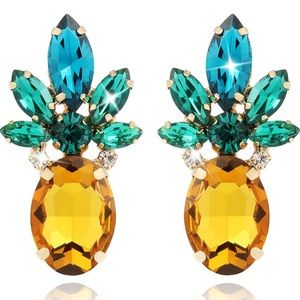 Jewelry - Stunning Pineapple Gem Stone Stud Earrings